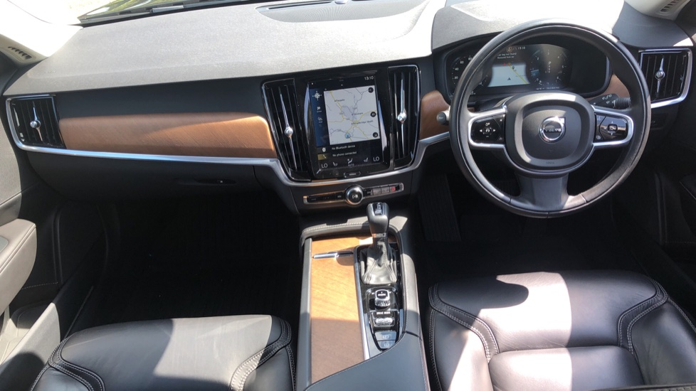 Volvo V90 D5 PwrPulse Inscription AWD AT, Winter Pk, HUD, RCam, 4Zone AC, SPhone Int, Active Lights, Tints. image 5