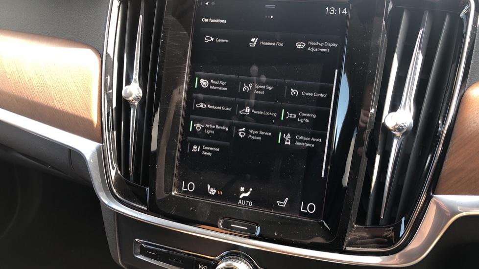Volvo V90 D5 PwrPulse Inscription AWD AT, Winter Pk, HUD, RCam, 4Zone AC, SPhone Int, Active Lights, Tints. image 13