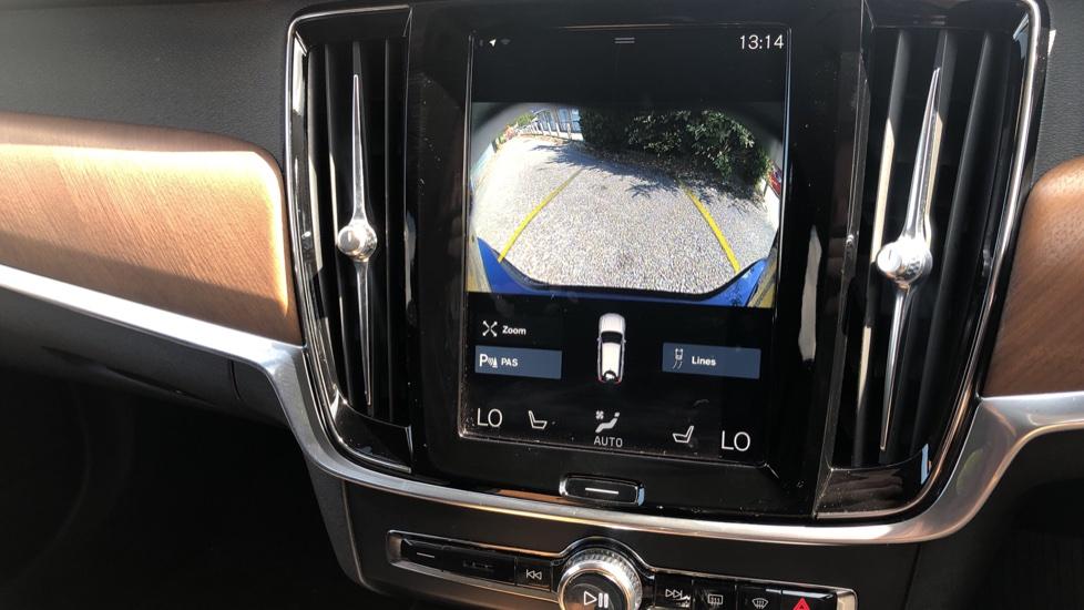 Volvo V90 D5 PwrPulse Inscription AWD AT, Winter Pk, HUD, RCam, 4Zone AC, SPhone Int, Active Lights, Tints. image 8