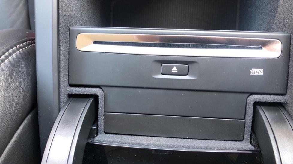 Volvo V90 D5 PwrPulse Inscription AWD AT, Winter Pk, HUD, RCam, 4Zone AC, SPhone Int, Active Lights, Tints. image 19