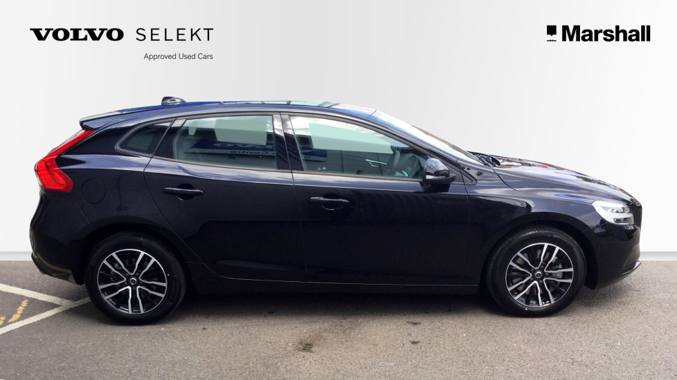Volvo V40 D2 (120bhp) Momentum Automatic Rear Parking