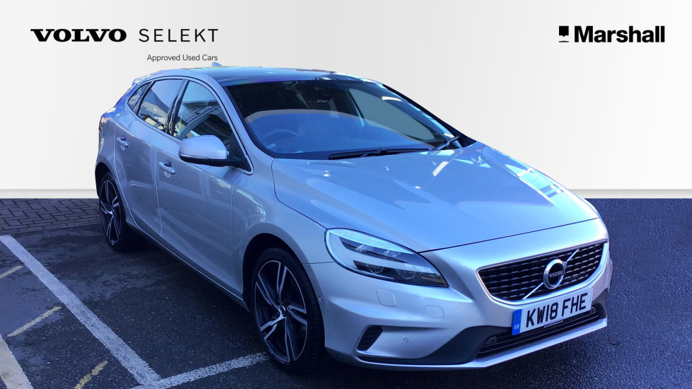 volvo v40 petrol t3 152 bhp r design pro manual panoramic glass