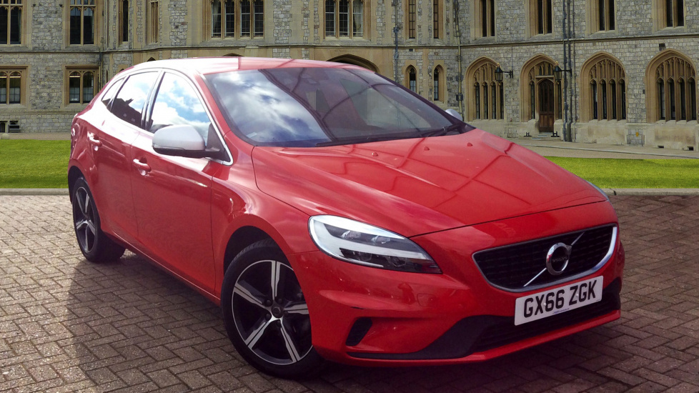 Volvo V40 D2 R-Design  0% Finance 20-23rd April / 2 Services £199 T&C Apply