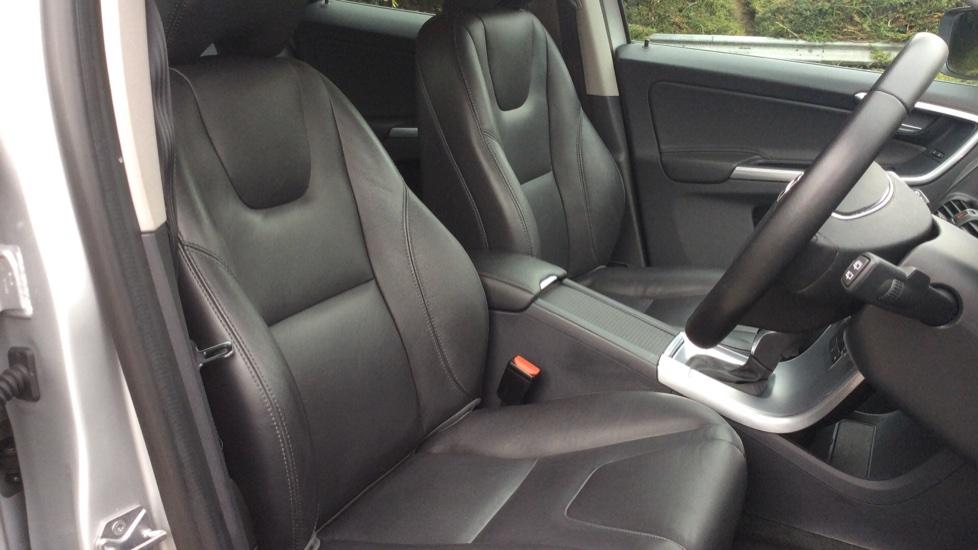 Volvo XC60 T5 SE Lux Nav Automatic (Winter Pack, Sensus