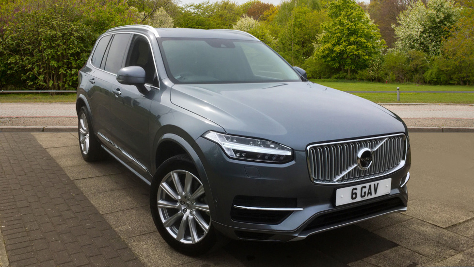 Volvo XC90 2.0 T8 Hybrid Inscription 5dr Geartronic with Winter Pack and Park Assist Pilot Petrol/Electric Automatic 4x4 (2016) image
