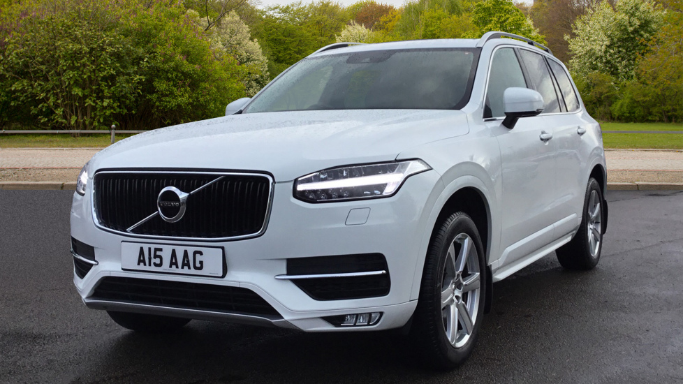 Volvo XC90 2.0 D5 Momentum 5dr AWD Geartronic - Privacy Glass, Winter Pack & Seven Seat Diesel Automatic 4x4 (2016) image