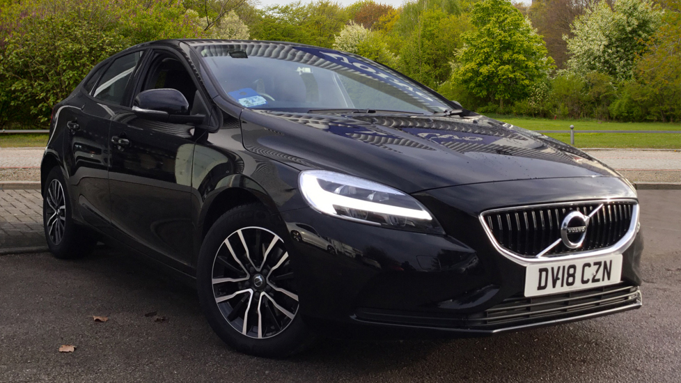 Volvo V40 T2 [122] Momentum Nav Plus 5dr with Cruise Control and DAB Radio 2.0 Hatchback (2018)