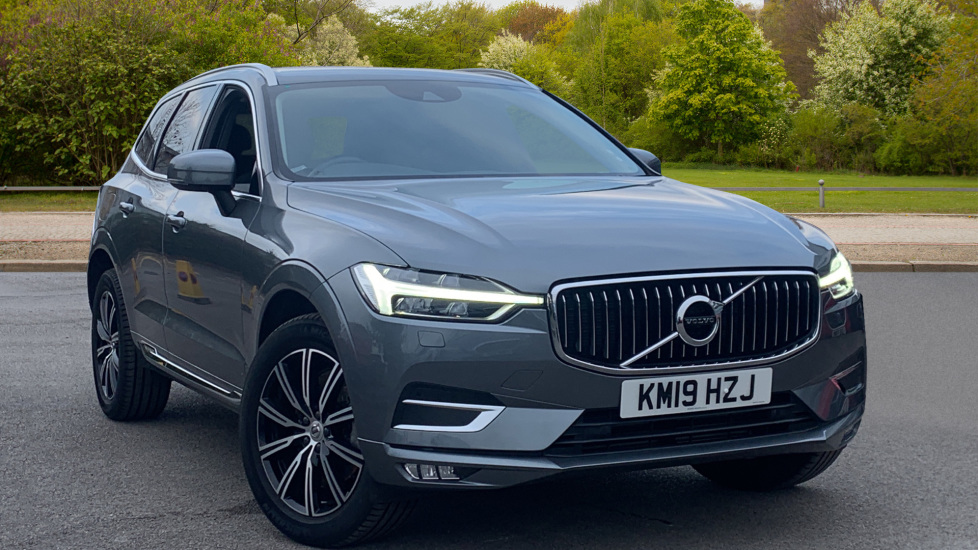 Volvo XC60 2.0 D4 AWD Inscription 5dr with Keyless Drive, BLIS and Winter Pack Diesel Estate (2019) image
