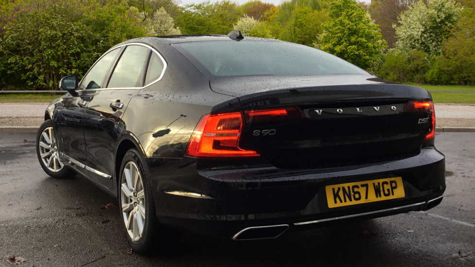 Volvo S90 2.0 D5 PowerPulse Inscription AWD Geartronic with Winter Pack image 2