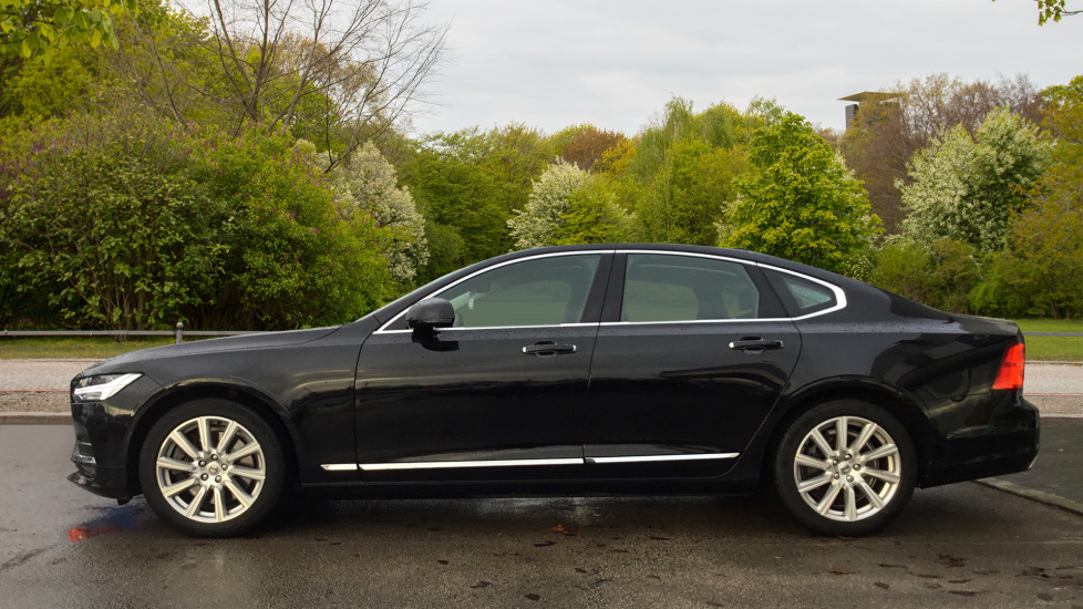 Volvo S90 2.0 D5 PowerPulse Inscription AWD Geartronic with Winter Pack image 4
