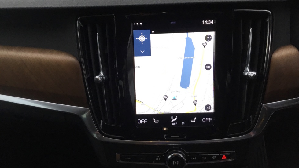 Volvo S90 2.0 D5 PowerPulse Inscription AWD Geartronic with Winter Pack image 13