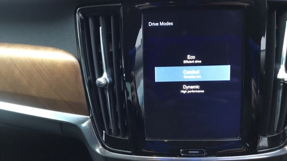 Volvo S90 2.0 D5 PowerPulse Inscription AWD Geartronic with Winter Pack image 28