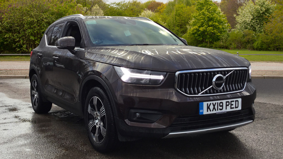 Volvo XC40 2.0 D3 Inscription 5dr with Privacy Glass, Intellisafe Surround and Winter Pack  image 1