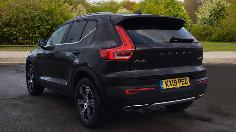 Volvo XC40 2.0 D3 Inscription 5dr with Privacy Glass, Intellisafe Surround and Winter Pack  image 2