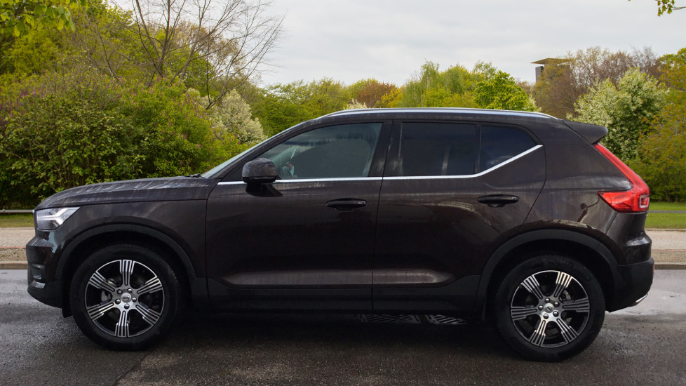 Volvo XC40 2.0 D3 Inscription 5dr with Privacy Glass, Intellisafe Surround and Winter Pack  image 4
