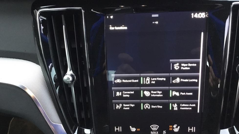 Volvo V60 2.0 D3 R DESIGN 5dr - Volvo on Call, DAB Radio, SAT NAV, Park Assist image 19