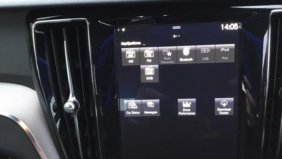 Volvo V60 2.0 D3 R DESIGN 5dr - Volvo on Call, DAB Radio, SAT NAV, Park Assist image 20
