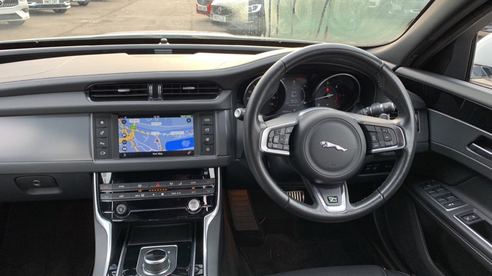 Jaguar XF 2.0d [180] R-Sport with Sat Nav and Rear Parking Camera image 6