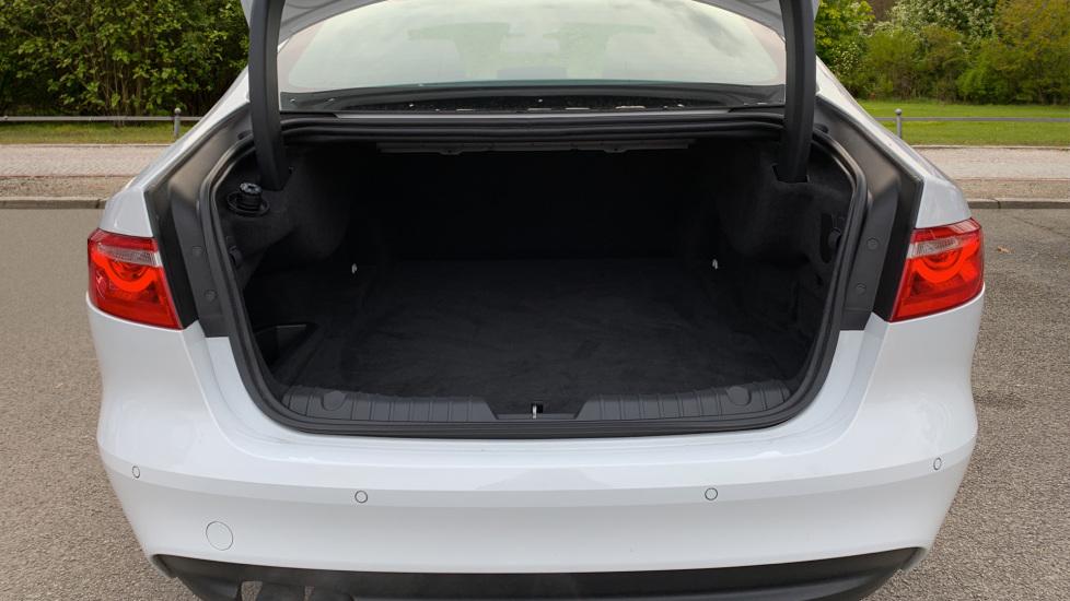 Jaguar XF 2.0d [180] R-Sport with Sat Nav and Rear Parking Camera image 8