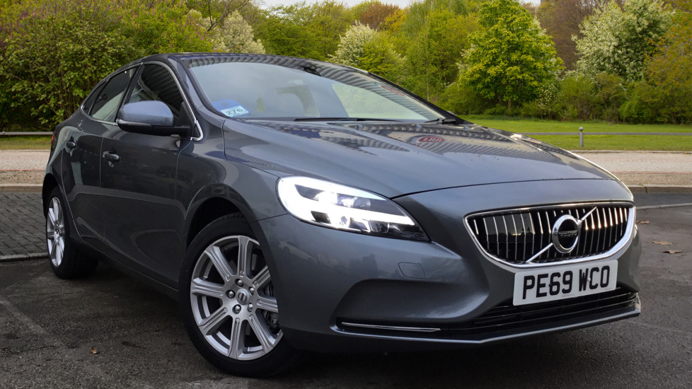 Volvo V40 T3 Inscription Auto, Nav, Rear Park Camera & Sensors, LED Headlights, DAB Radio 1.5 Automatic 5 door Hatchback (2019) image