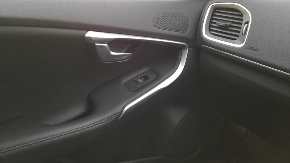 Volvo V40 T3 [152] Inscription Geartronic image 16
