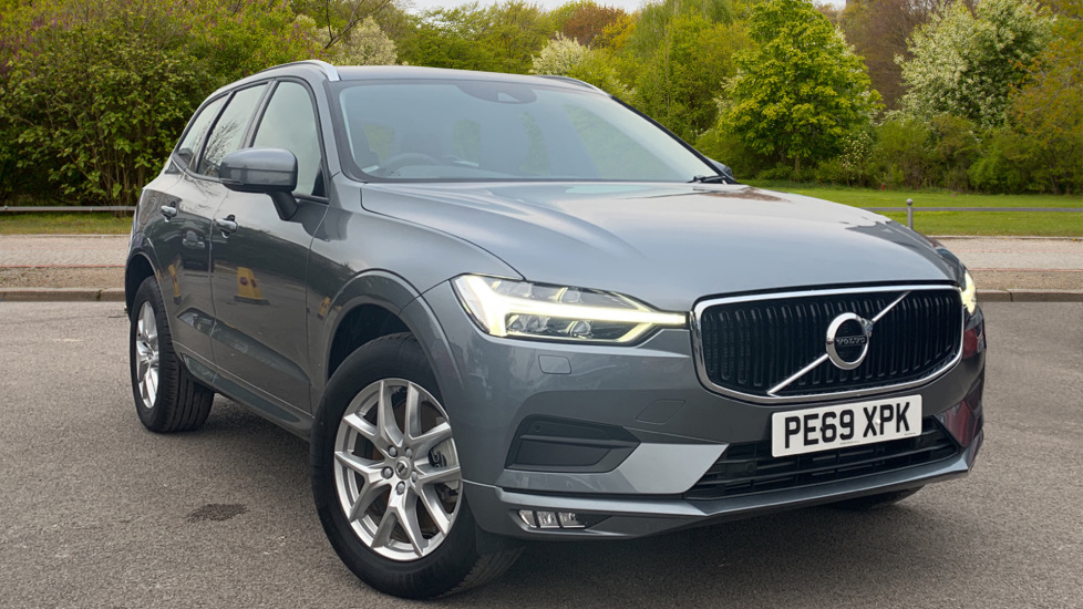Volvo XC60 2.0 D4 Momentum Pro 5dr AWD GeartronicAuto with Intellisafe Pro, Convenience and Family Packs Diesel Automatic Estate (2019) image
