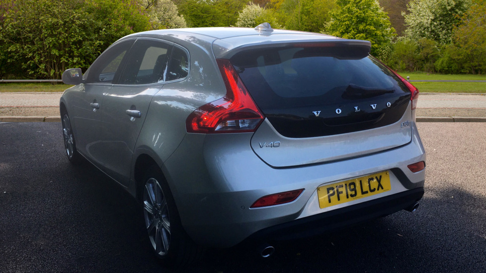 Volvo V40 D3 [4 Cyl 152] Inscription - Front Park Assist, Volvo on Call, Power Seating image 2