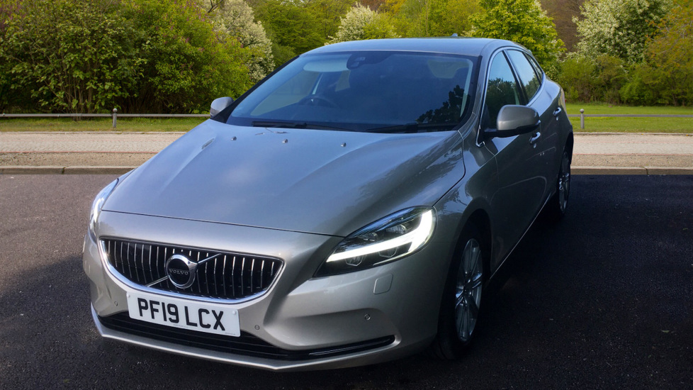 Volvo V40 D3 [4 Cyl 152] Inscription - Front Park Assist, Volvo on Call, Power Seating image 9