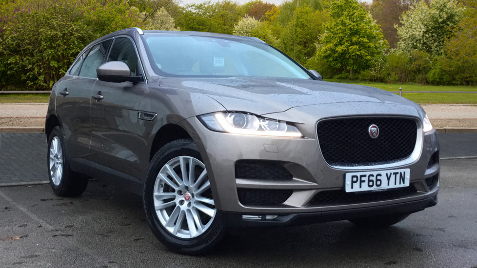 Jaguar F-PACE 2.0d Portfolio 5dr AWD w. Sat Nav, Panoramic Roof and Rear Parking Camera Diesel Automatic Estate (2017) available from Jaguar Swindon thumbnail image