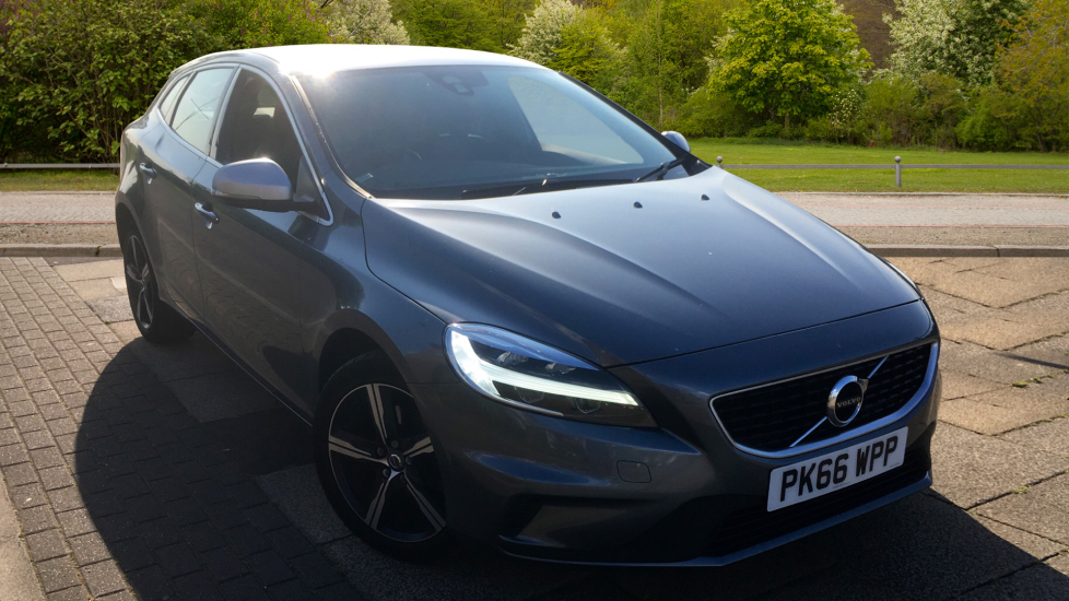 Volvo V40 T2 [122] R DESIGN 5dr with Bluetooth, USB, Active TFT 2 0  Hatchback (2016) at Volvo Preston