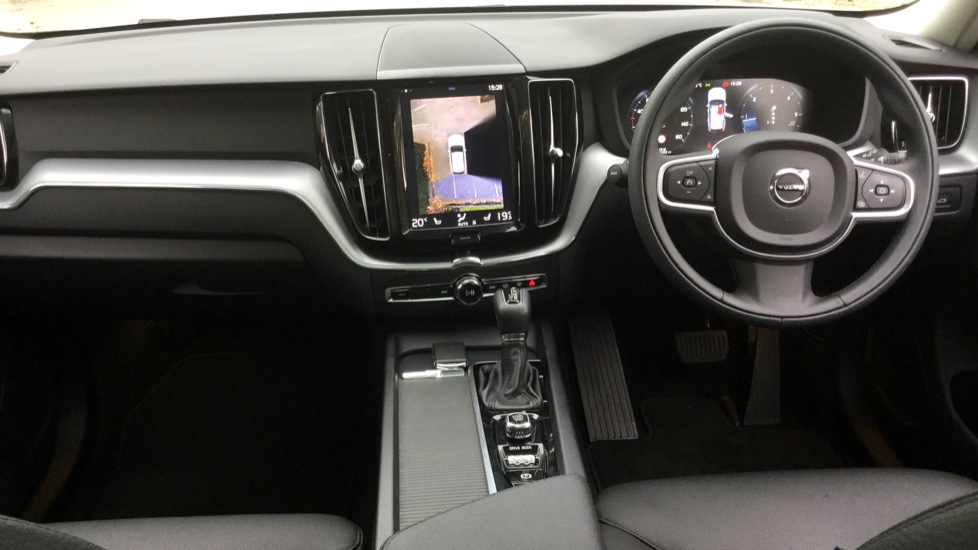 Volvo XC60 2.0 D4 AWD Momentum Pro Auto with Xenium Pack ...