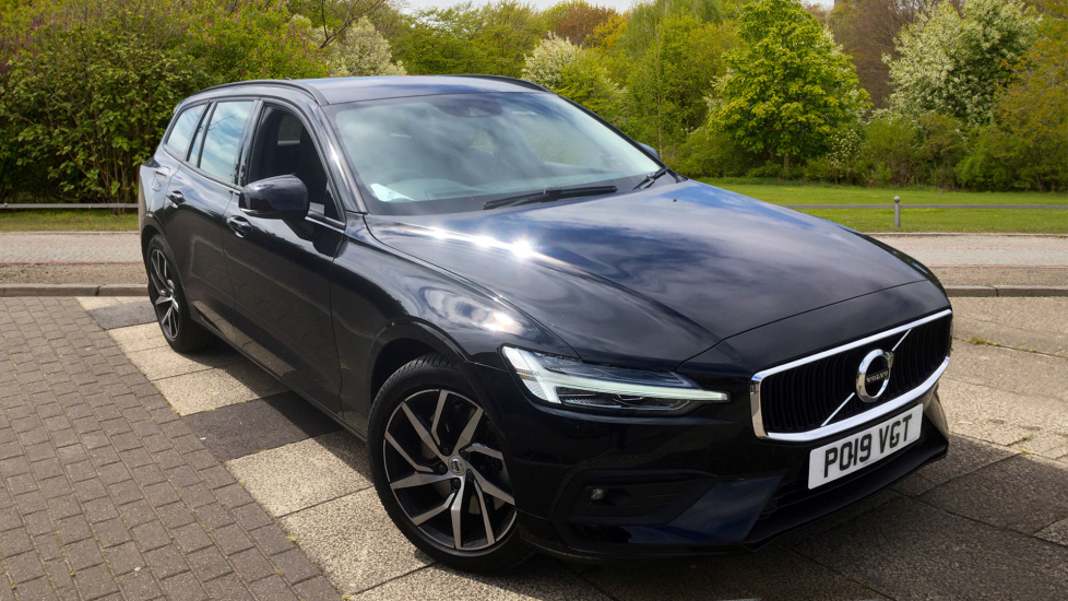 Volvo V60 2.0 T5 Momentum Pro with Power Drivers Seat, SAT NAV, Rear Park Assist Automatic 5 door Estate (2019) image