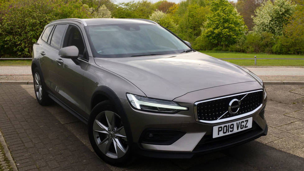 Volvo V60 2.0 D4 [190] Cross Country 5dr AWD with Intellisafe Pro Pack Diesel Automatic Estate (2019) image
