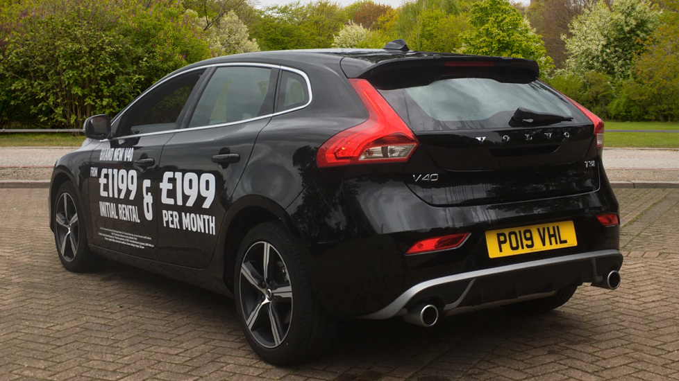 Volvo V40 T3 [152] R DESIGN Geartronic with Winter Pack and Rear Park Assist image 2