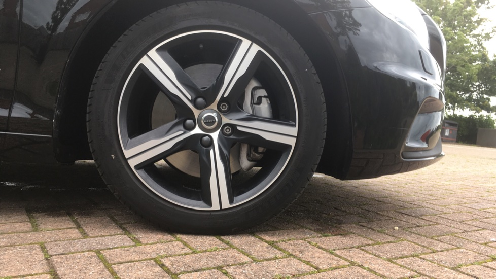 Volvo V40 T3 [152] R DESIGN Geartronic with Winter Pack and Rear Park Assist image 5