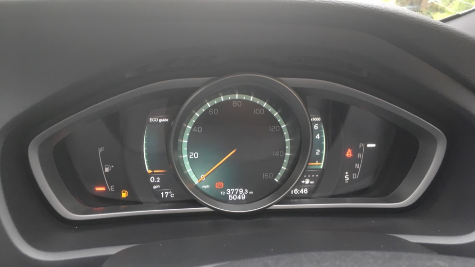 Volvo V40 T3 [152] R DESIGN Geartronic with Winter Pack and Rear Park Assist image 7