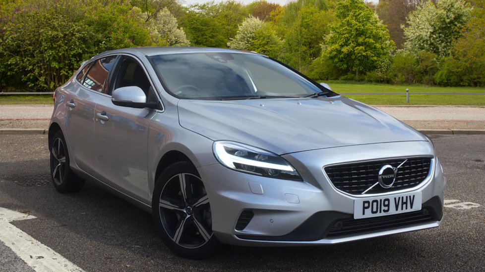 Volvo V40 T3 [152] R DESIGN - Gearshift Paddles, Front and Rear Park Assist, DAB 1.5 Automatic 5 door Hatchback (2019) image