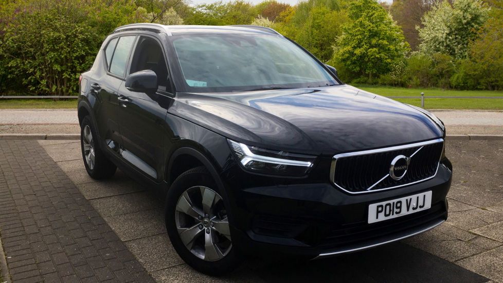 Volvo XC40 1.5 T3 Momentum 5dr with Power Tailgate, Convenience & Winter Packs Estate (2019) image