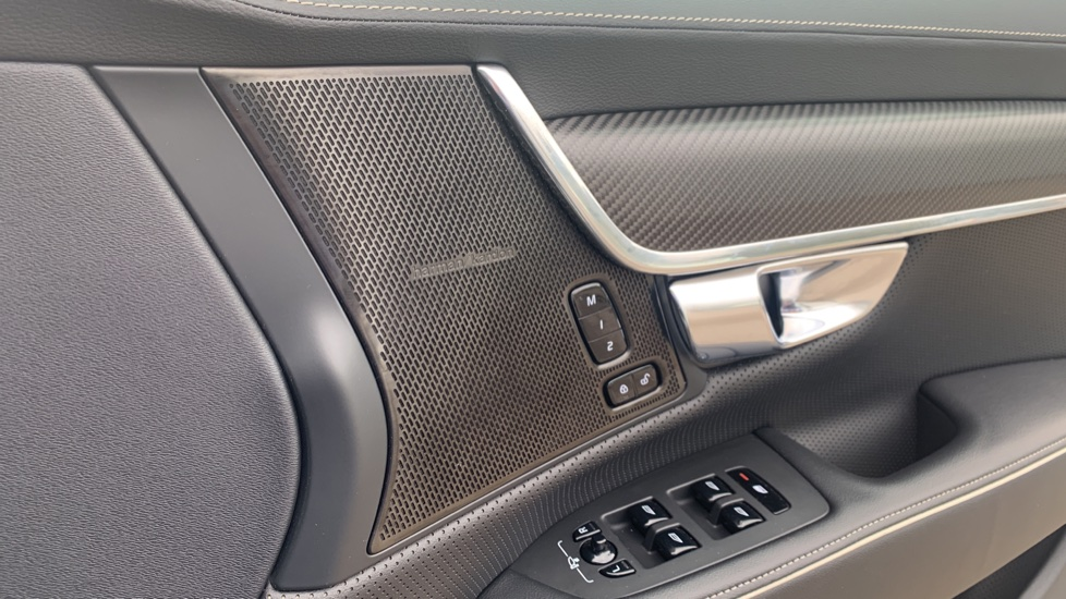 Volvo S90 2.0 T8 [390] Hybrid AWD R-Design Pro - Xenium, Intellisafe Pro image 15