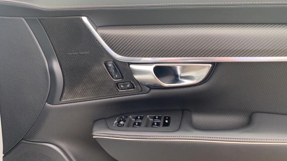 Volvo S90 2.0 T8 [390] Hybrid AWD R-Design Pro - Xenium, Intellisafe Pro image 16