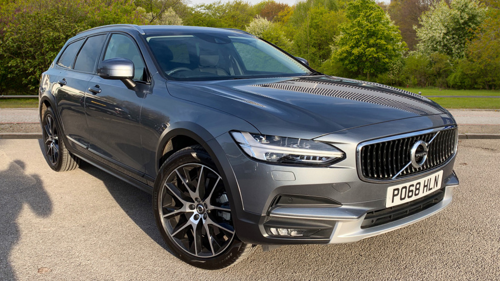 Volvo V90 2.0 D4 Cross Country Pro AWD Geartronic with Keyless Drive & Handsfree Tailgate Diesel Automatic 5 door 4x4 (2018) at Volvo Preston thumbnail image