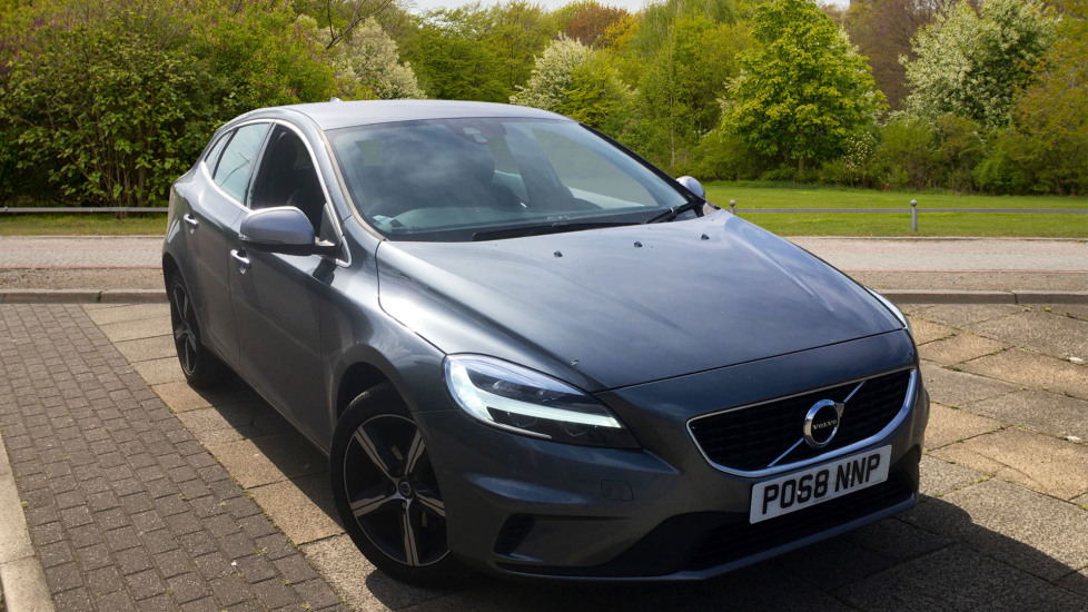 Volvo V40 D2 [120] R DESIGN 5dr with Rear Park Assist and Nappa leather 2.0 Diesel Hatchback (2019) image