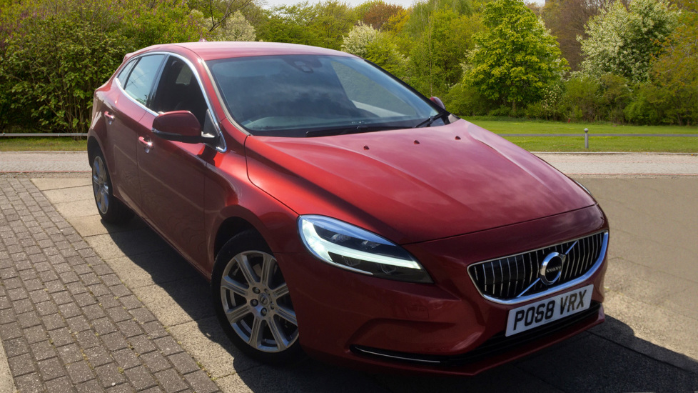 Volvo V40 D3 [4 Cyl 150] Inscription Geartronic - Rear Park Assist and SAT NAV 2.0 Diesel Automatic 5 door Hatchback (2019) image