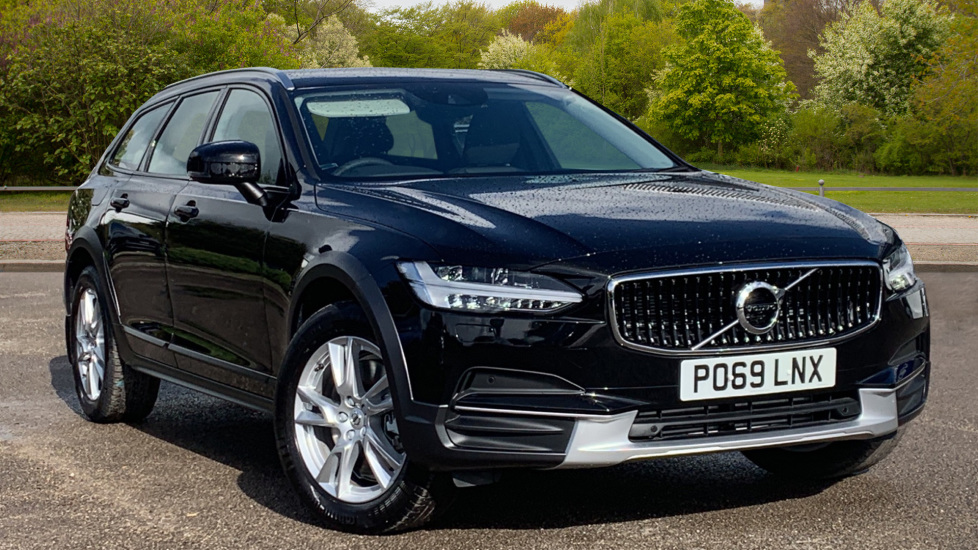 Volvo V90 2.0 D4 Cross Country 5dr AWD Auto w. Family, Winter Packs and Retractable Towbar Diesel Automatic Estate (2019)