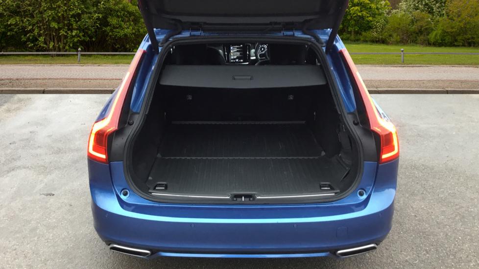 Volvo V90 2.0 D5 PowerPulse R DESIGN 5dr AWD Geartronic image 8