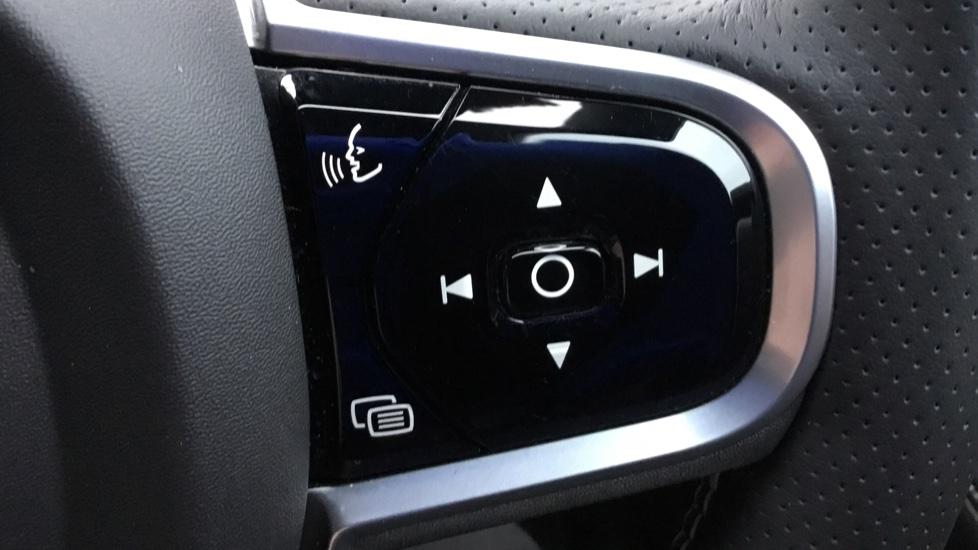 Volvo V90 2.0 D5 PowerPulse R DESIGN 5dr AWD Geartronic image 11