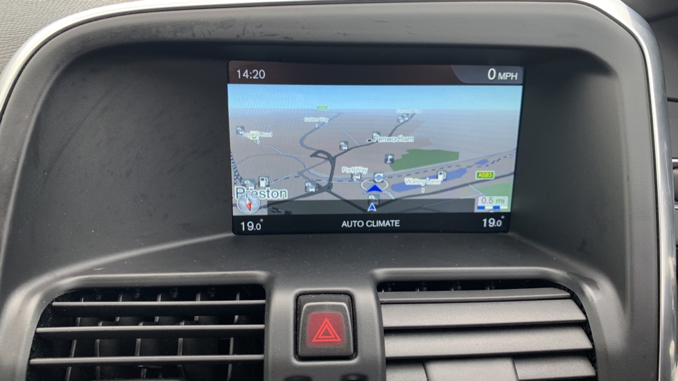 Volvo XC60 D4 [190] R DESIGN Nav - Sensus Navigation/Connect, Rear Park Camera image 13 thumbnail