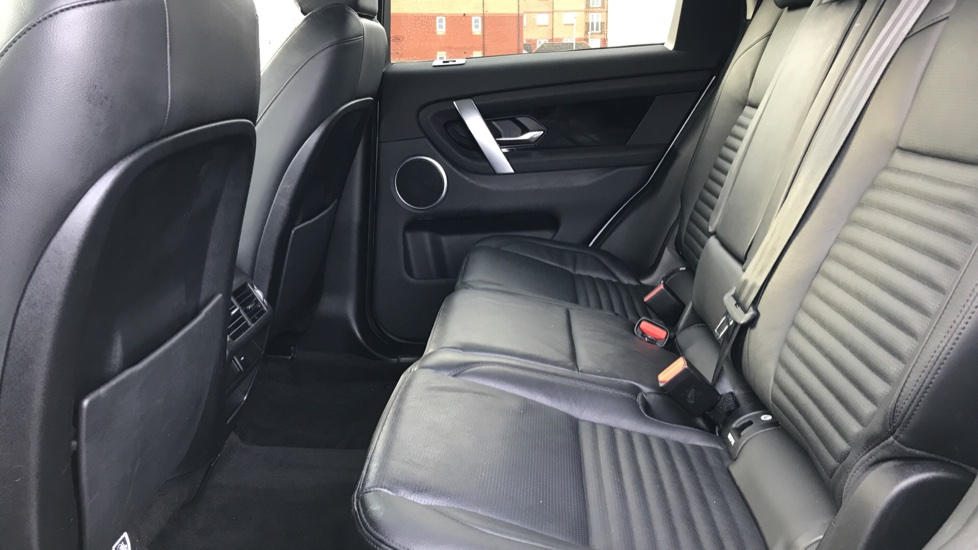 Land Rover Discovery Sport 2.0 D180 S 5dr image 4