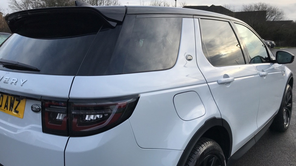 Land Rover Discovery Sport 2.0 D180 S 5dr image 12