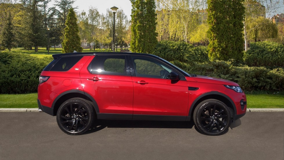 Land Rover Discovery Sport 2.0 TD4 180 HSE Black 5dr image 5